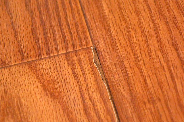 How To Remove Scratches From Vinyl Flooring Ehow