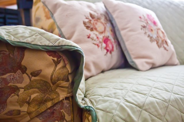 How To Make Cheap Amp Easy Slipcovers Without Sewing Ehow