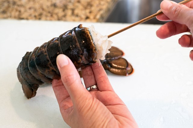 how to clean and cook lobster tails