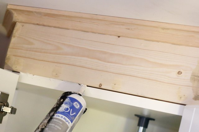 how to cut and install crown molding on kitchen cabinets