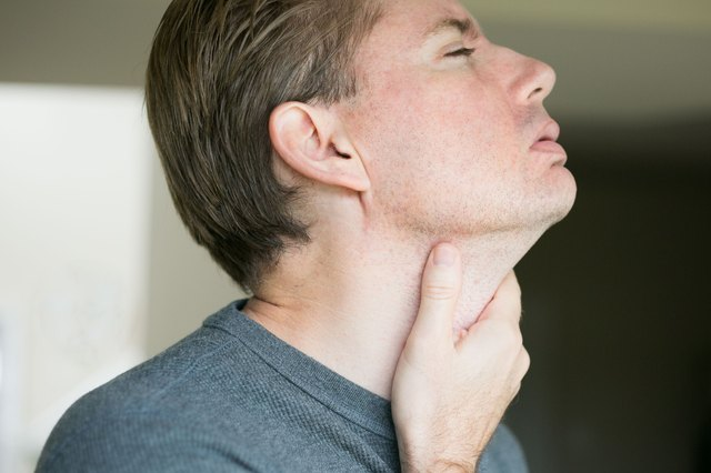 How to fix a sore throat and dry cough virus