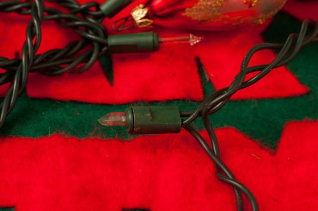 How to Fix Half a String of Christmas Lights That Are Out eHow