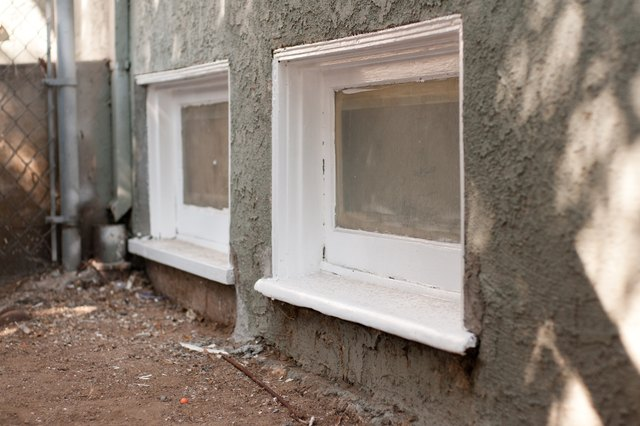 How To Remove Mold On Window Sills With Pictures Ehow