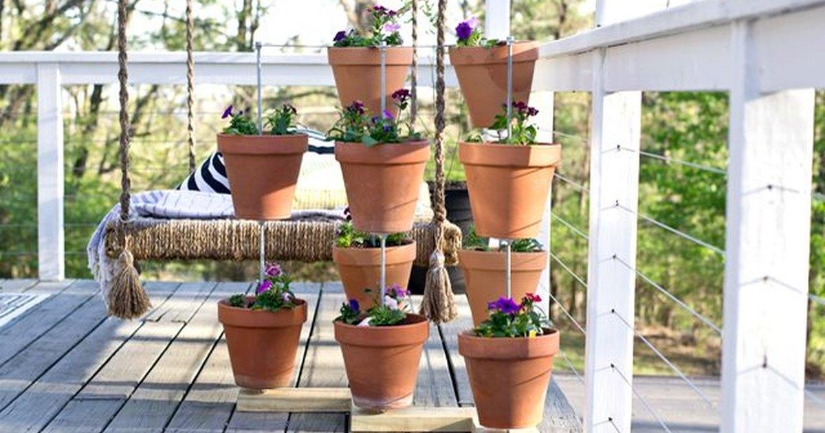 C mo utilizar macetas para crear un jard n vertical ehow - Macetas para jardin vertical ...