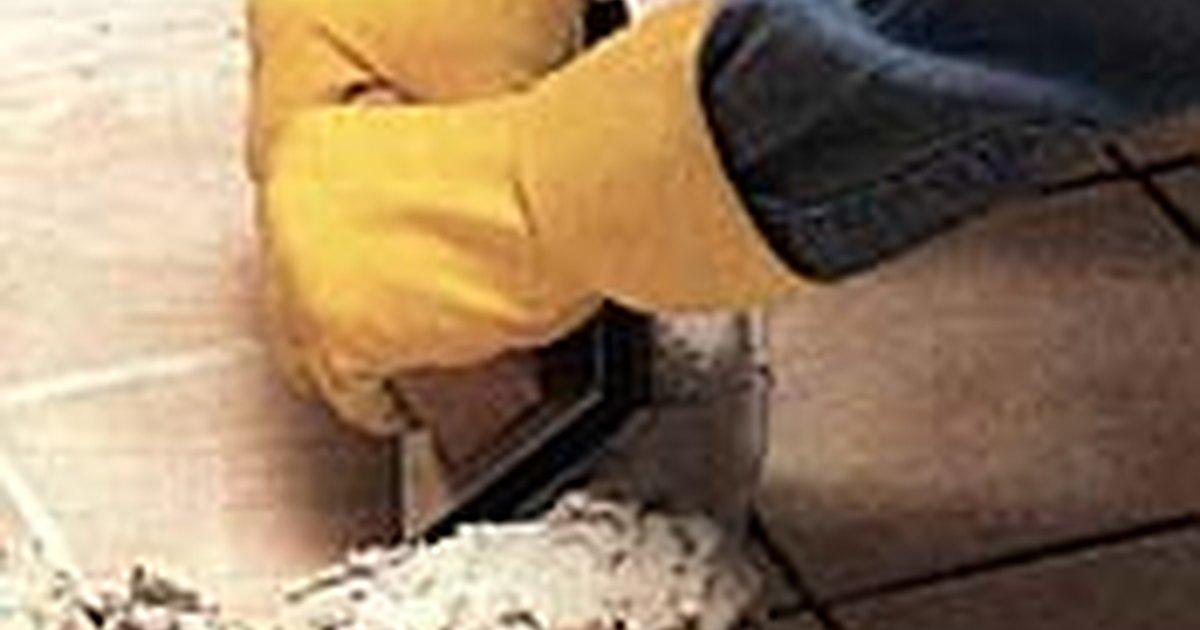C mo rellenar las juntas del piso de la ducha ehow en - Como limpiar las juntas del piso ...