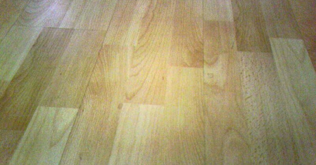 How To Remove Residue From Laminate Floors Ehow Uk