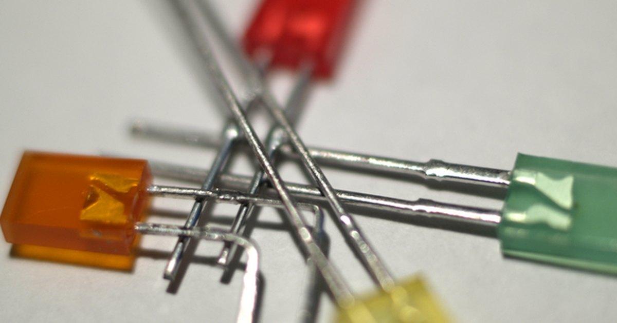 Circuito Luces Led Intermitentes : Cómo hacer un tablero de circuito para led intermitentes