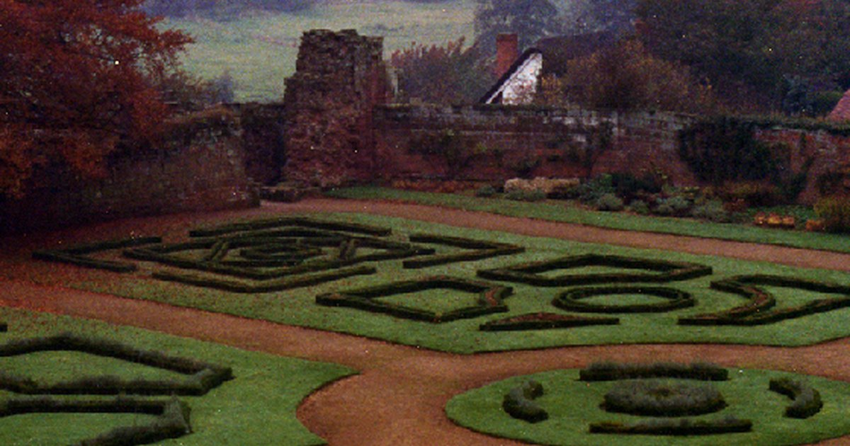 How to plant an elizabethan garden ehow uk - How to keep intruders out of your garden ...