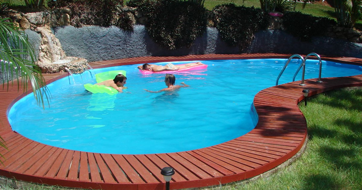 How Does A Salt Water Swimming Pool Compare To A Fresh Water Swimming Pool Ehow Uk