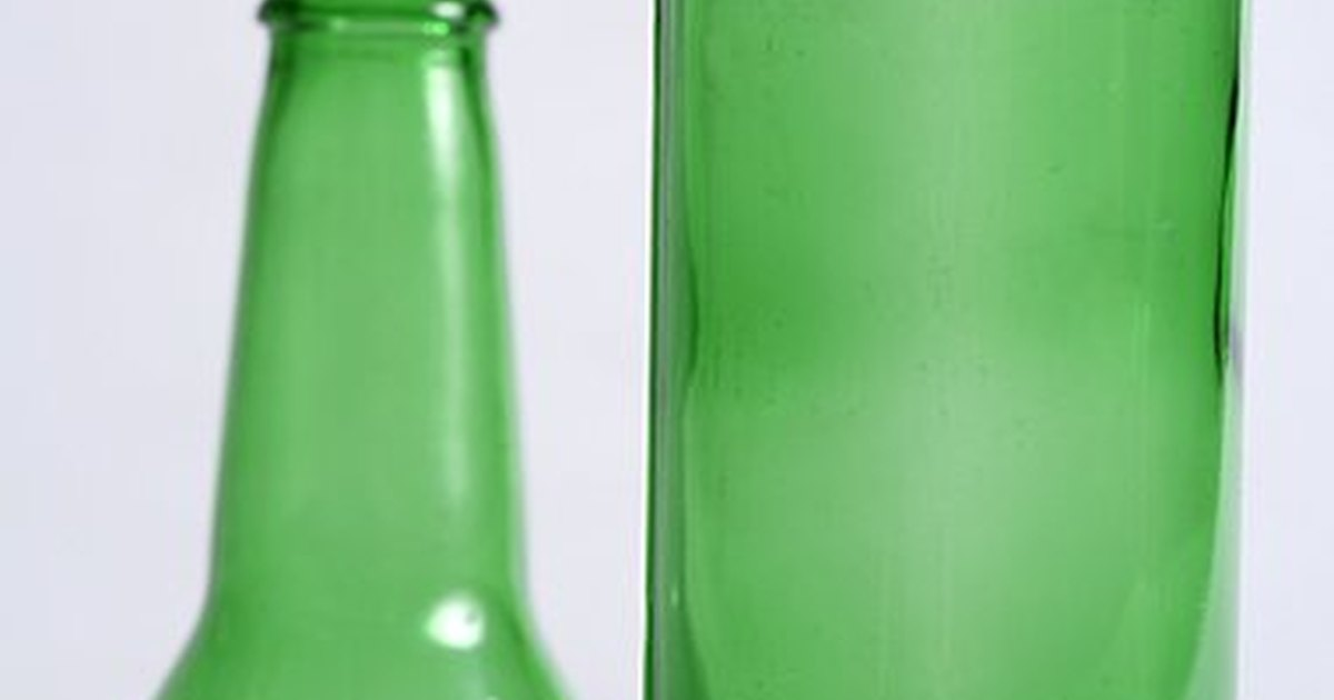 How to cut a glass bottle with a string ehow uk for Cutting glass bottles with string