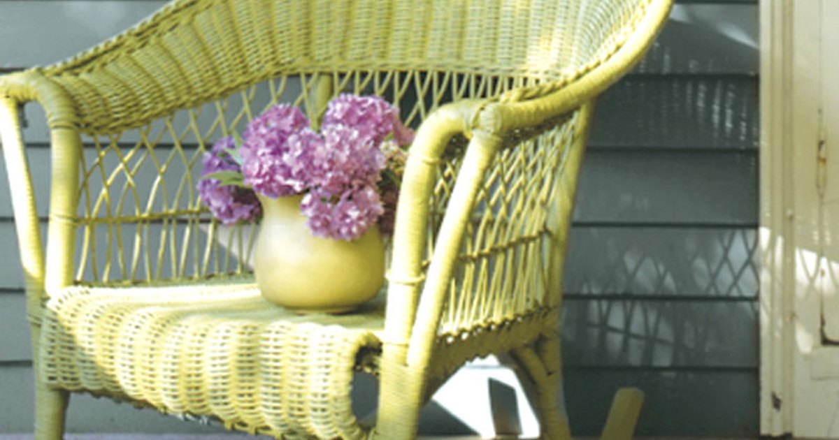 how to paint all weather wicker furniture ehow uk