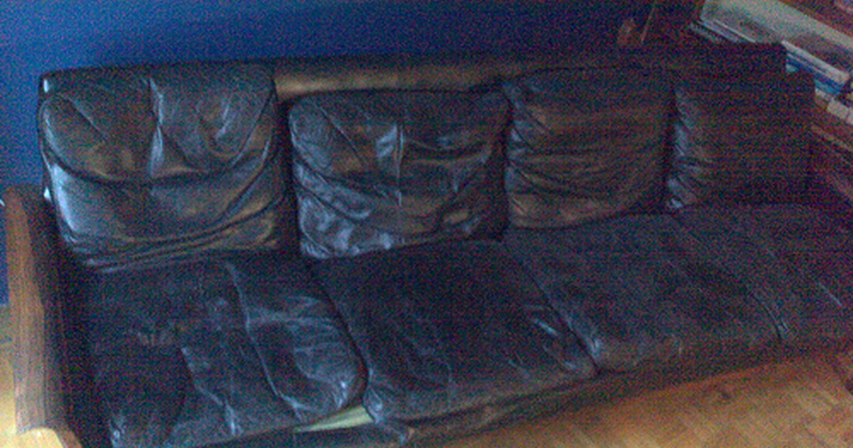 How To Clean Dirt Stains On Leather Sofa Ehow Uk