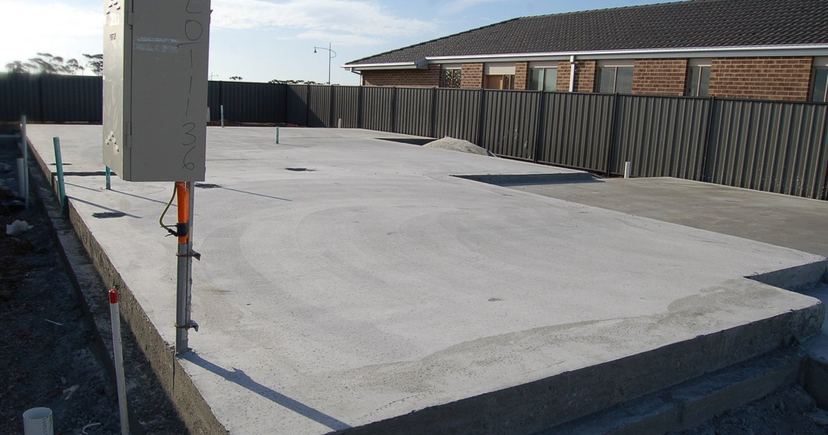 Laying Concrete Slabs : How to lay a concrete slab ehow uk