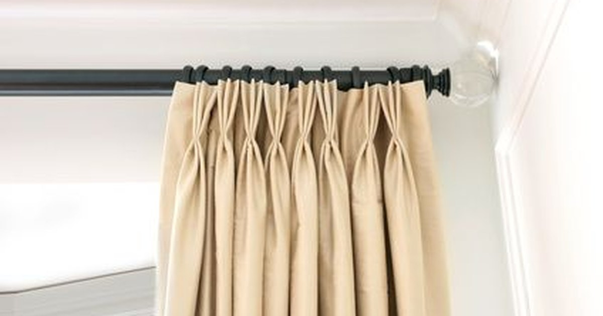 C mo instalar ganchos para cortinas ehow en espa ol for Ganchos para colgar cortinas