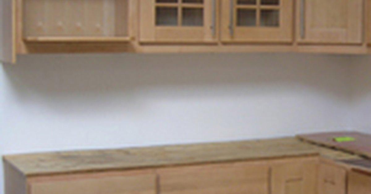 how to restore kitchen cabinets ehow uk. Black Bedroom Furniture Sets. Home Design Ideas
