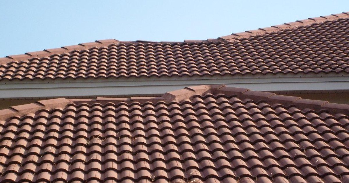 Tile Roof Cleaning Solutions Ehow Uk