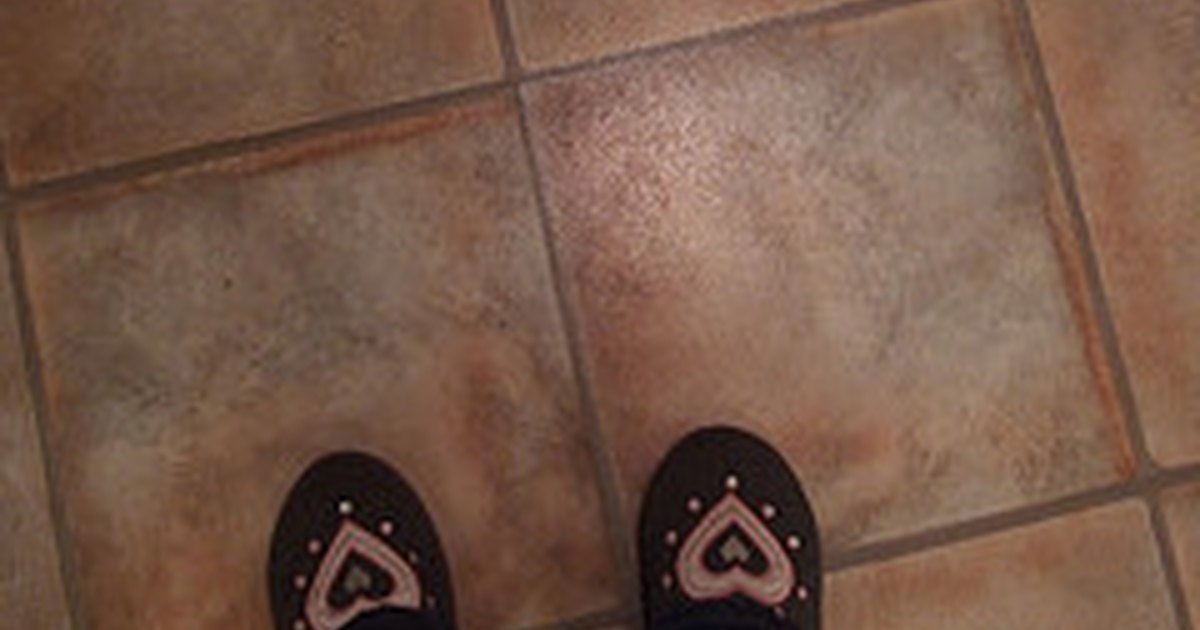 how to strip linoleum floors