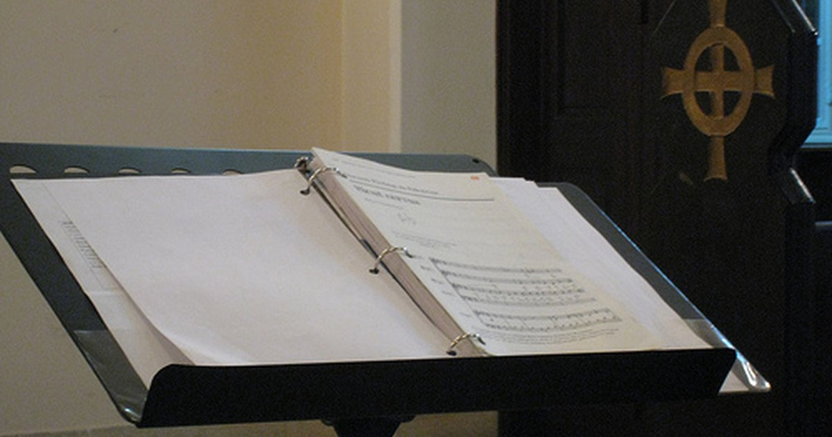 how to make a music stand banner
