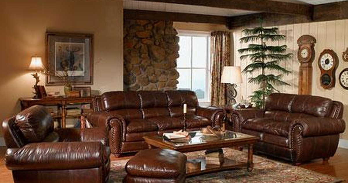 how to remove acrylic paint from leather furniture ehow uk. Black Bedroom Furniture Sets. Home Design Ideas