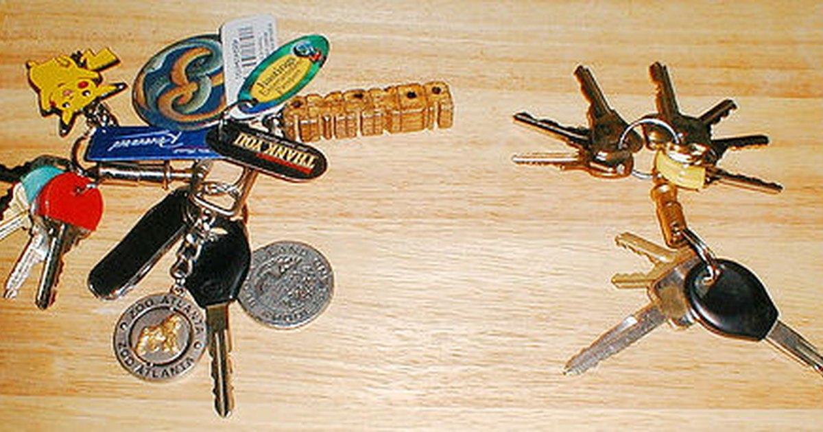 how to make a copy of a car key ehow uk. Black Bedroom Furniture Sets. Home Design Ideas