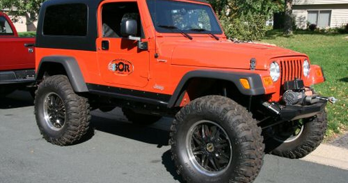 how much weight can a jeep wrangler tow ehow uk. Black Bedroom Furniture Sets. Home Design Ideas