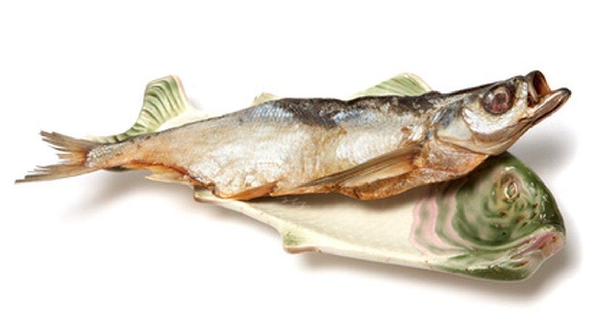How to get rid of a fried fish smell in a house ehow uk for How to remove fish odor from house