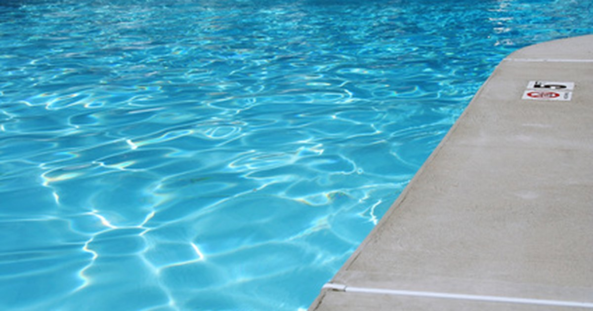 How To Remove Calcium Deposits From Swimming Pools Ehow Uk