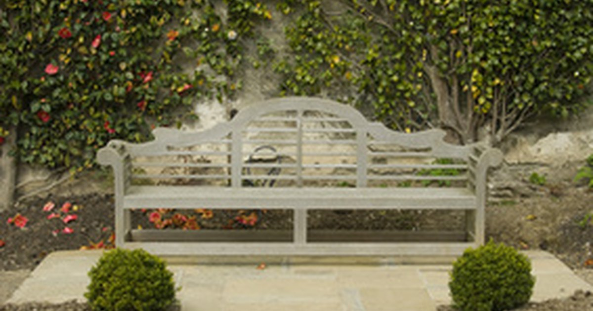 Small walled garden ideas ehow uk for Small walled garden ideas