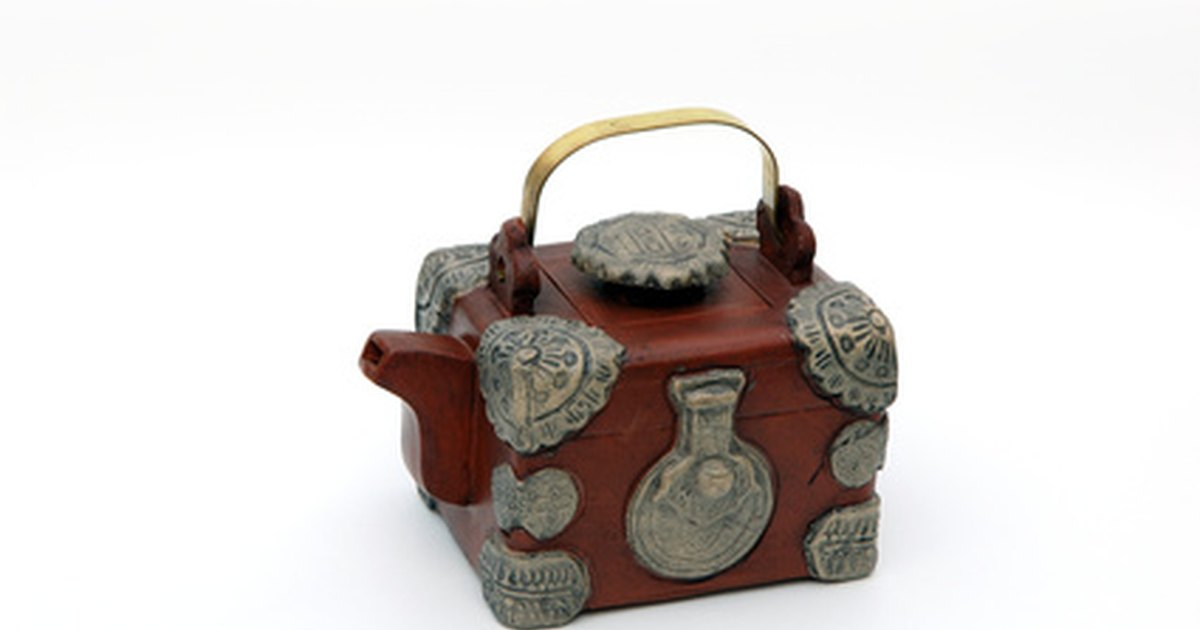how to build a wooden treasure chest