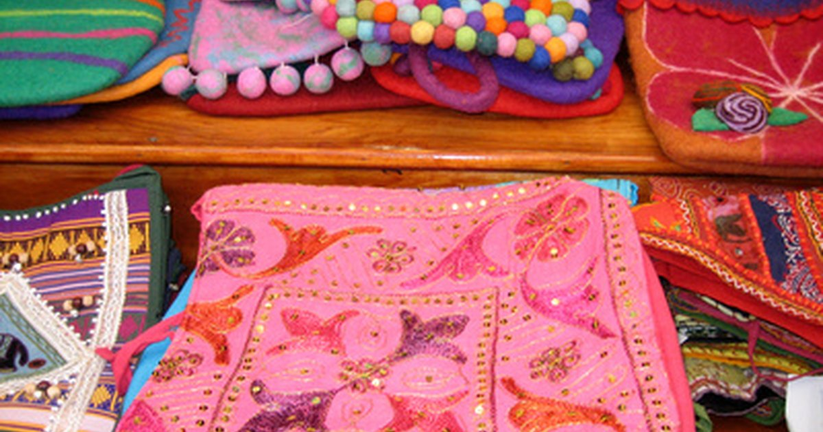 Easy sewing ideas for craft shows ehow uk for Easy sewing projects for craft fairs