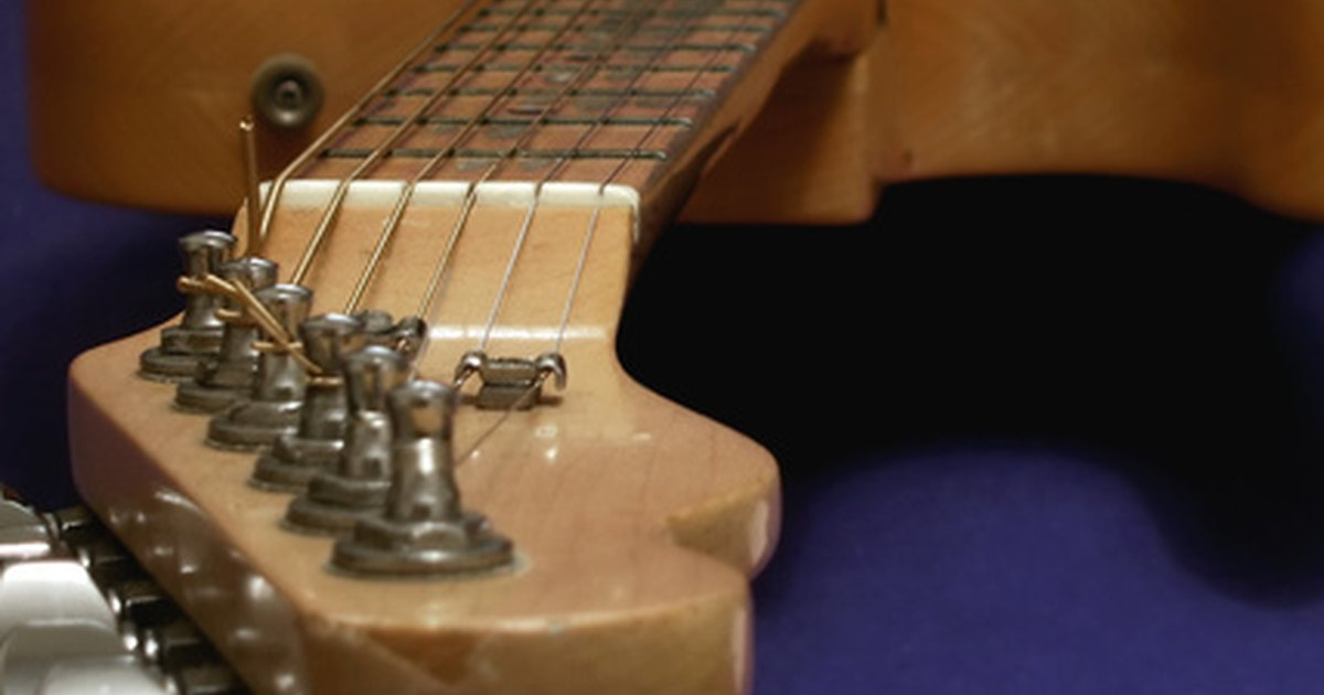 Fender Locking Tuners >> How to Install Sperzel Locking Tuners on a Fender ...