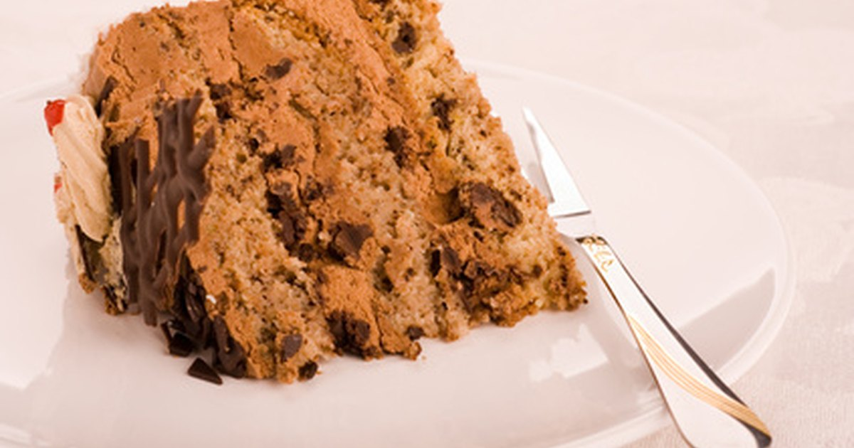 how to moisten a dry cake