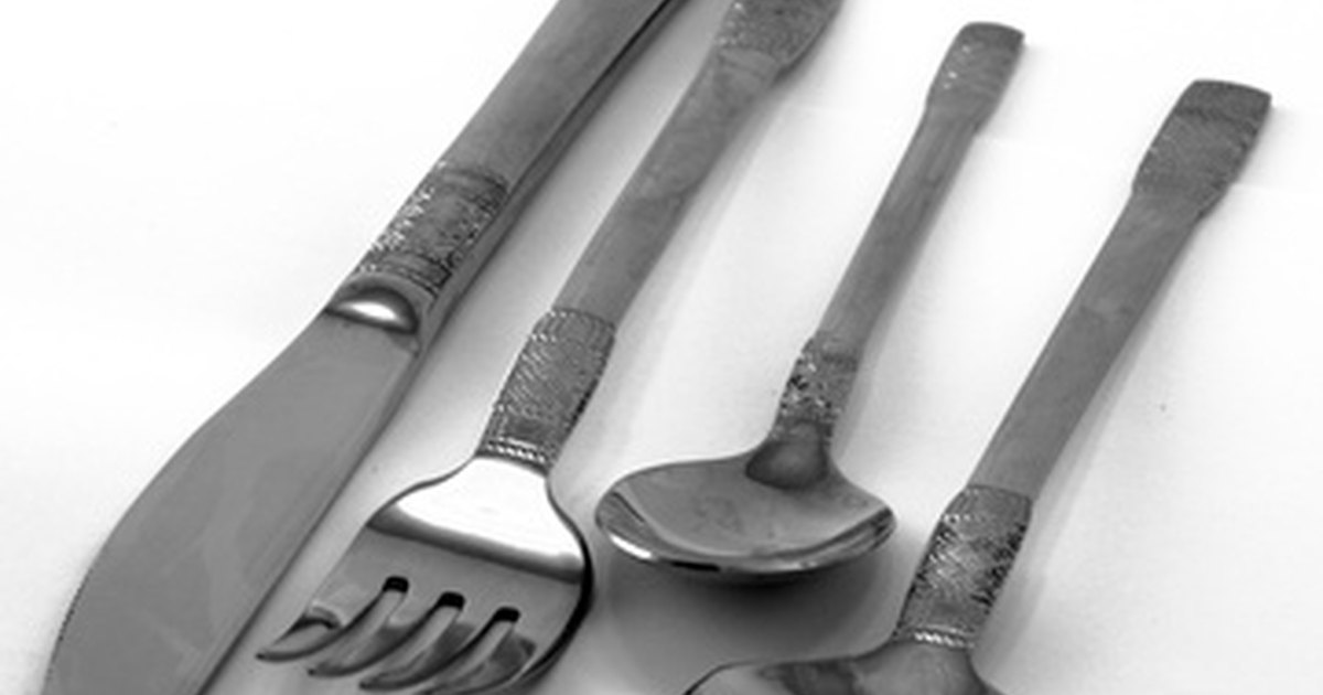 how to remove rust from cutlery ehow uk. Black Bedroom Furniture Sets. Home Design Ideas