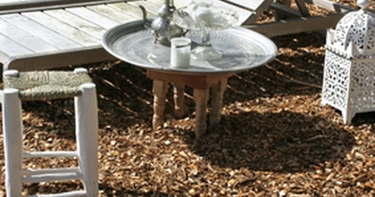 How to make outdoor furniture with pvc pipe ehow uk for Pvc pipe outdoor furniture
