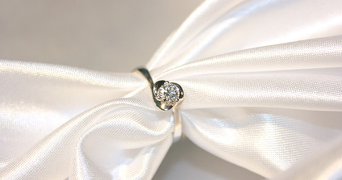 How To Clean White Gold & Diamond Jewelry