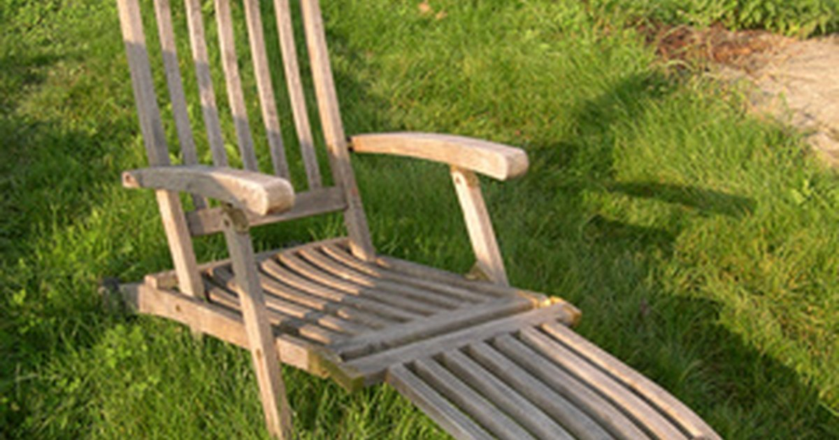 Plans to build a chaise lounge ehow uk for Building a chaise lounge