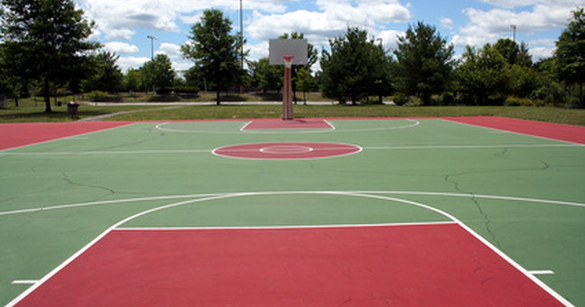 How to make an outdoor basketball court floor ehow uk for How to build a basketball court