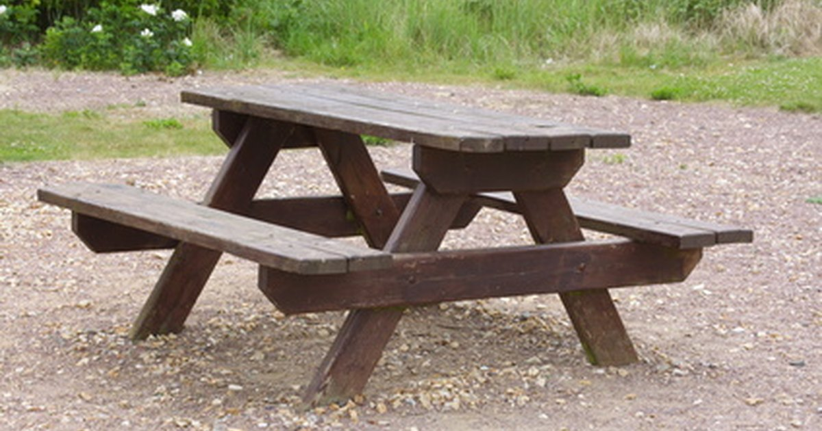 Making Simple Picnic Table Bench Covers Ehow Uk