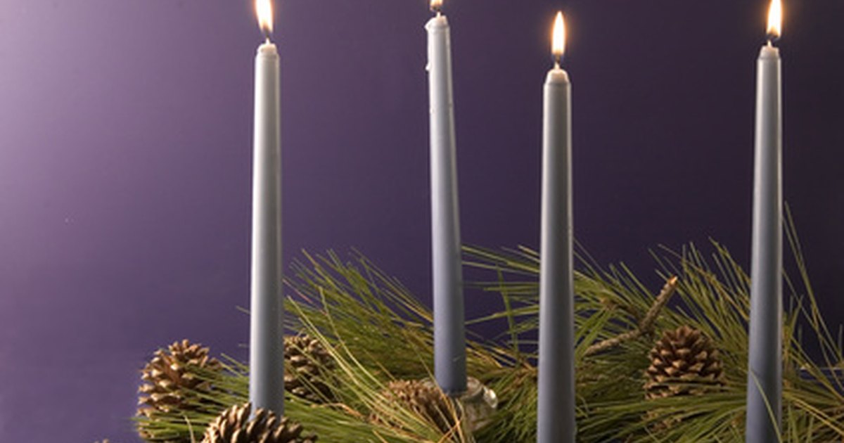 the meaning of advent candles ehow uk. Black Bedroom Furniture Sets. Home Design Ideas
