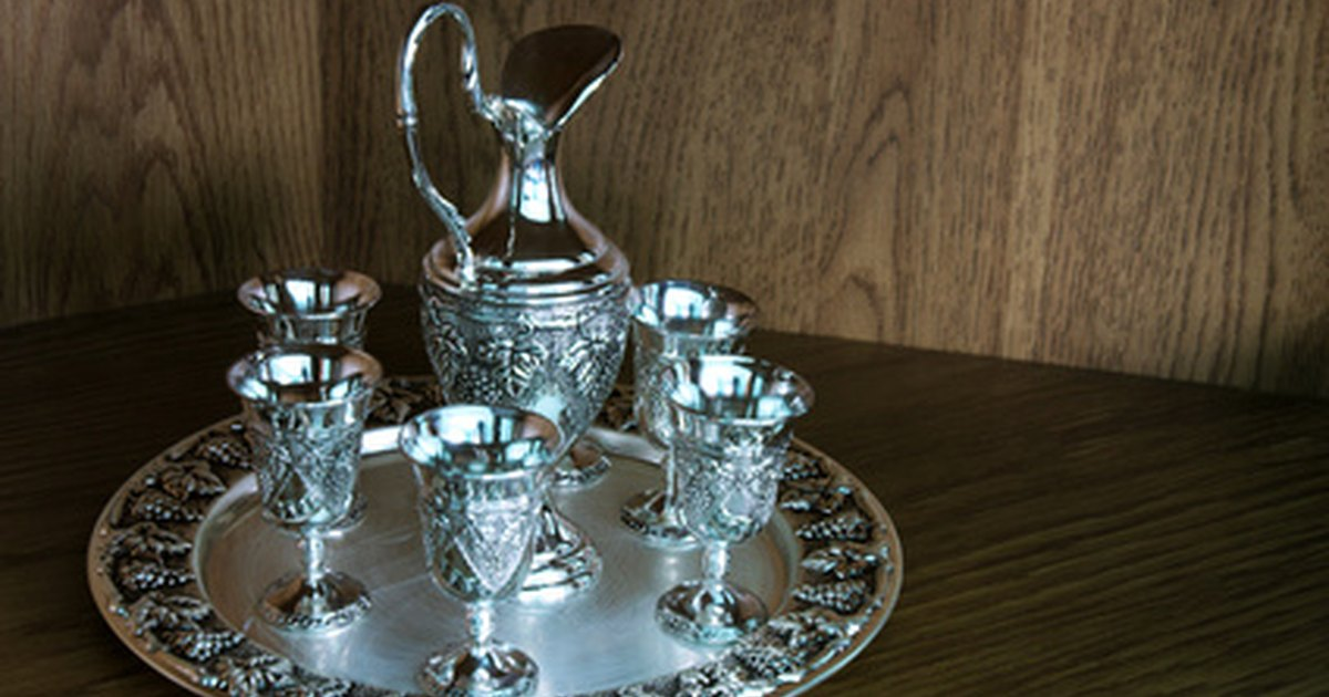 how to clean silver plated silverware