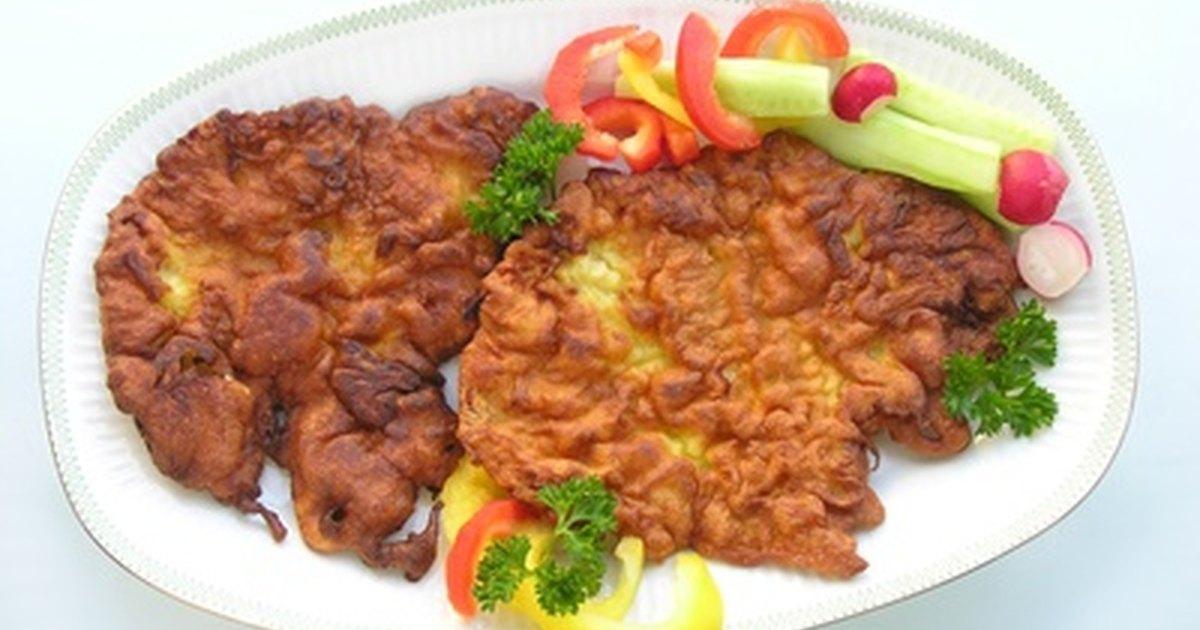 C mo cocinar chuletas de cerdo empanizadas ehow en espa ol for Como cocinar manos de cerdo