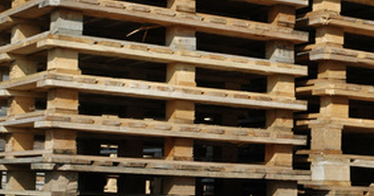 How to make things out of reused wood pallets ehow uk for Making things with wooden pallets