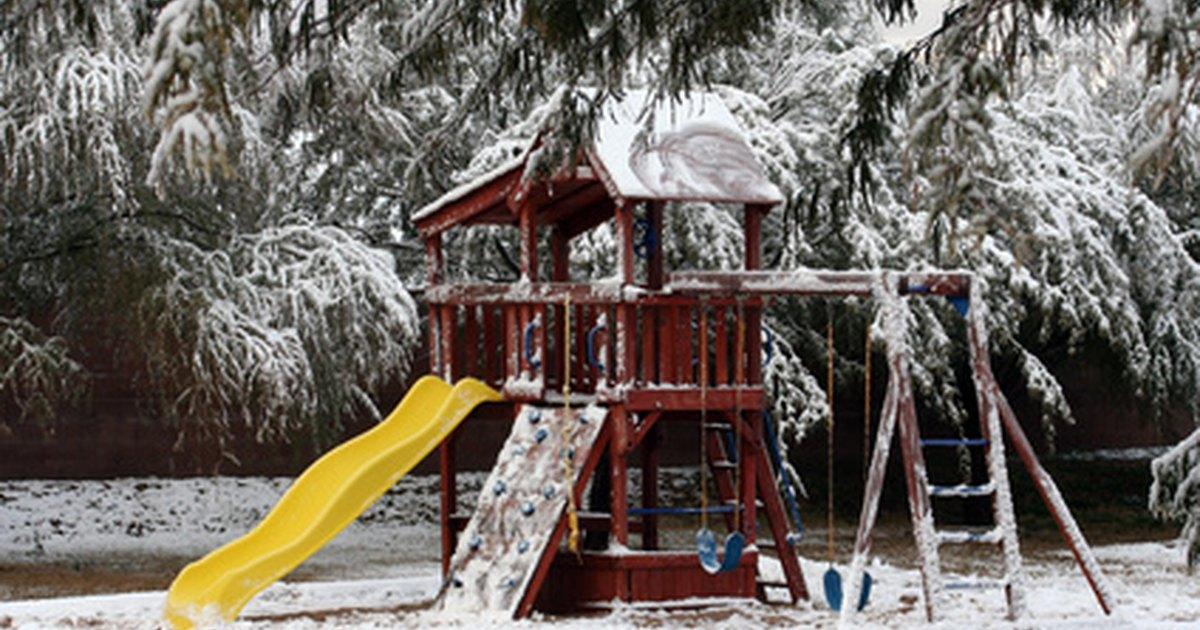 Como construir uma estrutura de madeira em um parque - Construir parque infantil ...
