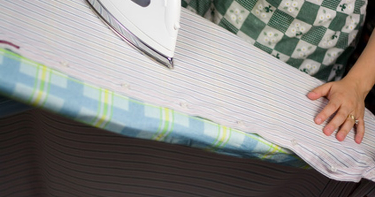 Partes de una mesa de planchar ehow en espa ol for Partes de una mesa