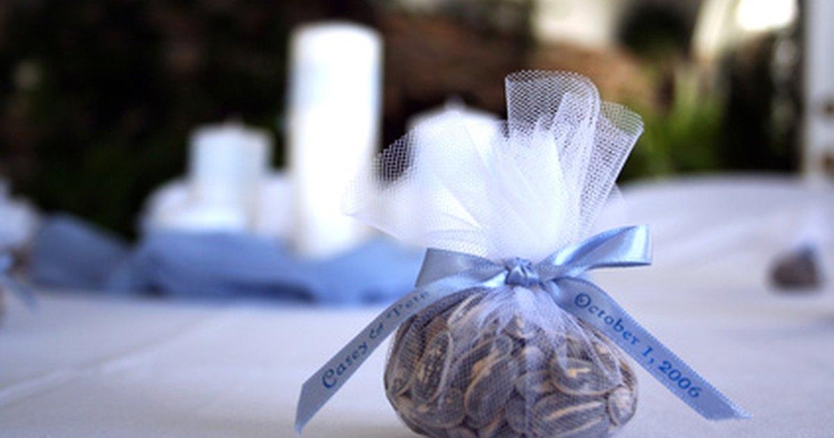 Unique wedding party favor ideas eHow UK