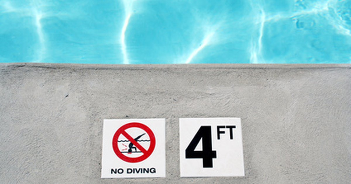Swimming pools rules regulations ehow uk - Swimming pool regulations in texas ...