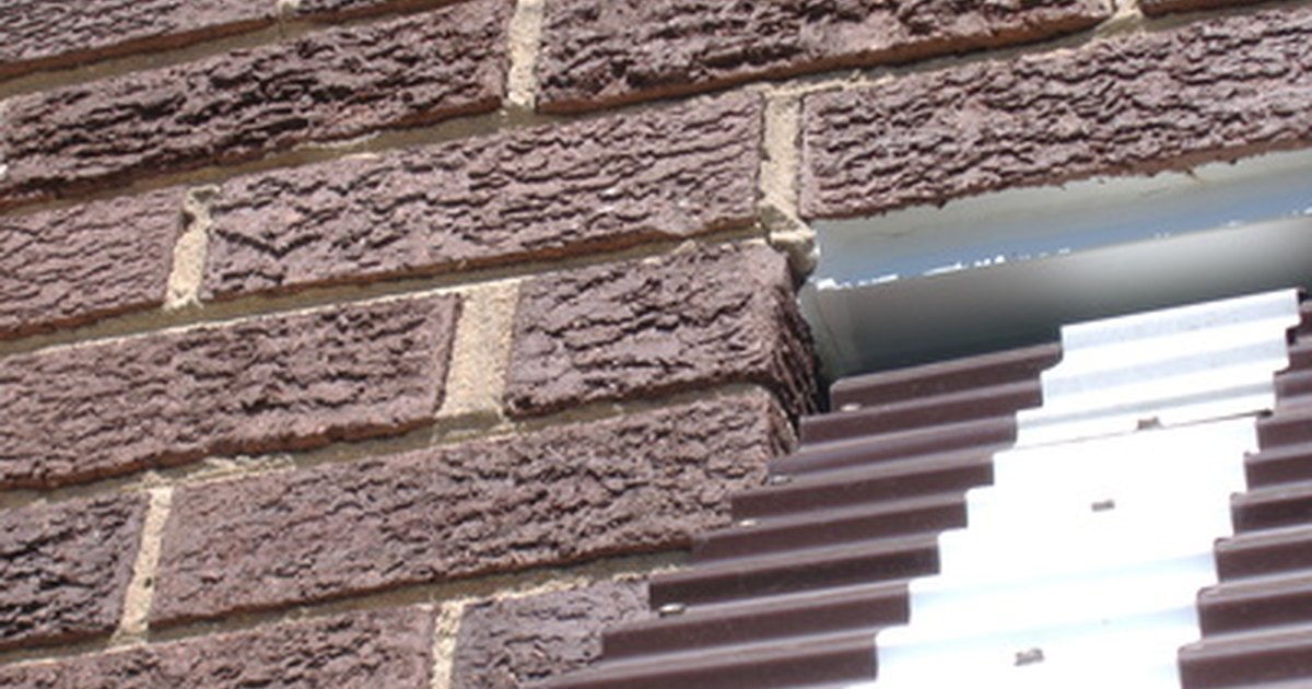 How To Cover Exterior Brick With Texture Paint Ehow Uk