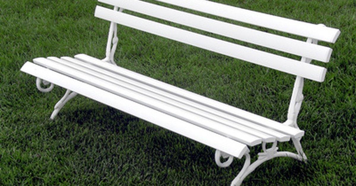 C mo pintar muebles antiguos envejecidos de color blanco for Muebles envejecidos en blanco