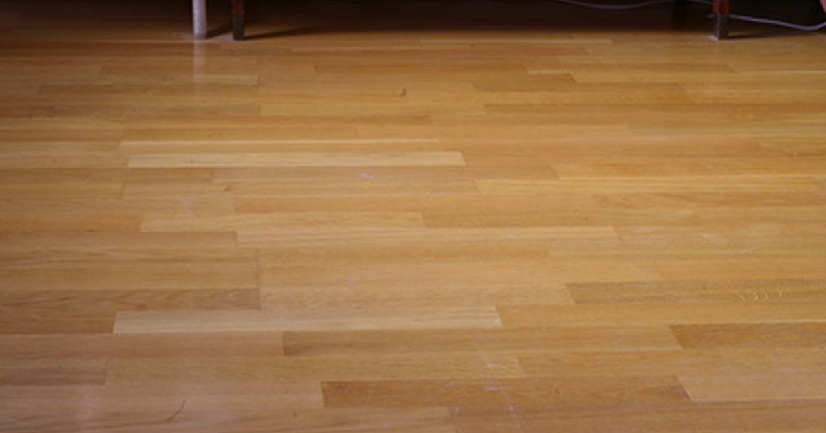 Indoor outdoor flooring ideas ehow uk for Indoor outdoor wood flooring