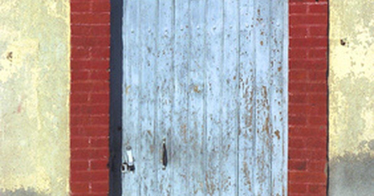 How To Repair A Loose Door Frame Ehow Uk